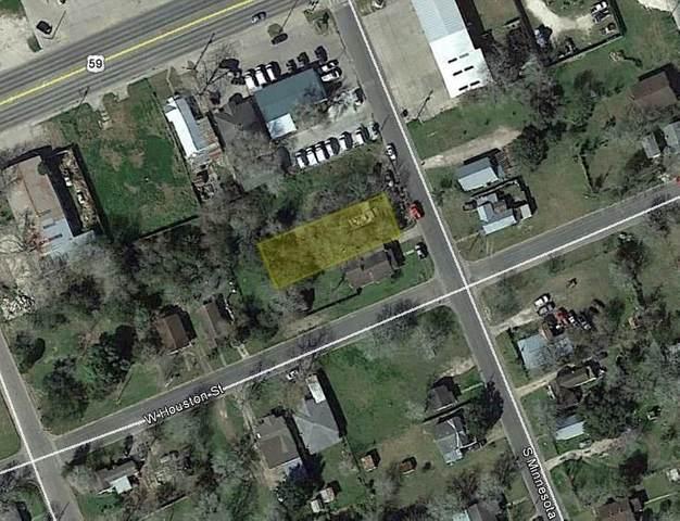108 S Minnesota Street, Beeville, TX 78102 (MLS #40570146) :: Bray Real Estate Group