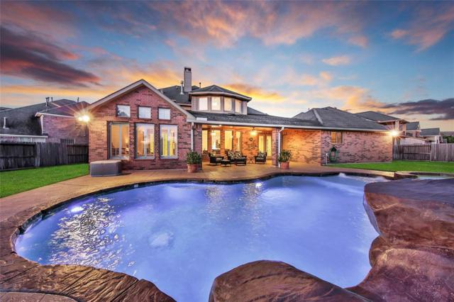 5922 Settlers Creek Court, Fulshear, TX 77441 (MLS #40573924) :: The SOLD by George Team