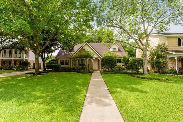 2526 Wind Fall Lane, Sugar Land, TX 77479 (MLS #40591108) :: Caskey Realty