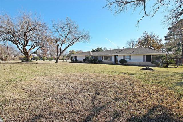 101 Lakewood Drive, Baytown, TX 77520 (MLS #4060097) :: The Kevin Allen Jones Home Team