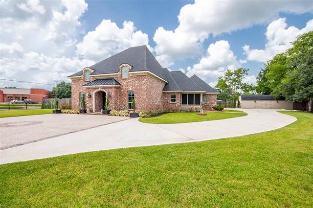 1613 Sam Houston Street, Liberty, TX 77575 (MLS #40805644) :: All Cities USA Realty
