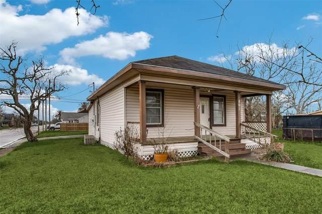 801 W Broad Street, Freeport, TX 77541 (MLS #40812671) :: Bray Real Estate Group