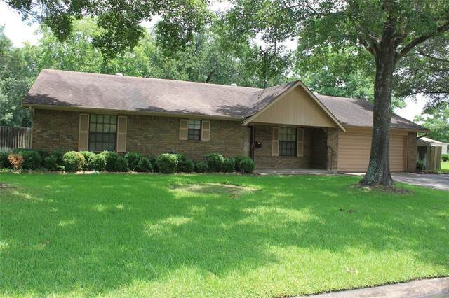 118 Briarwood Lane, Bellville, TX 77418 (MLS #40837125) :: Christy Buck Team