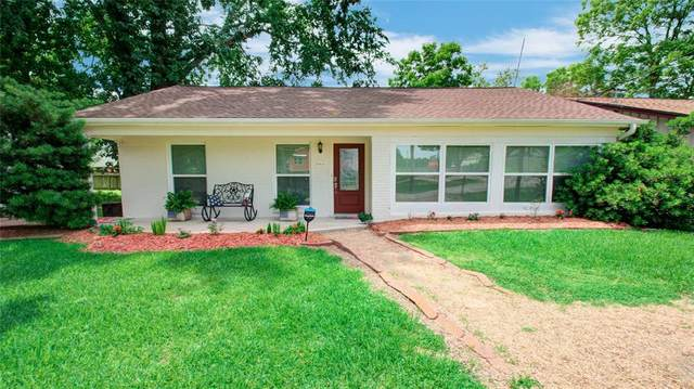 422 Lakeside Drive, Kemah, TX 77565 (MLS #40855159) :: The SOLD by George Team