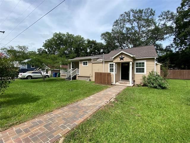 406 N Pecan Street N, Angleton, TX 77515 (#4099726) :: ORO Realty