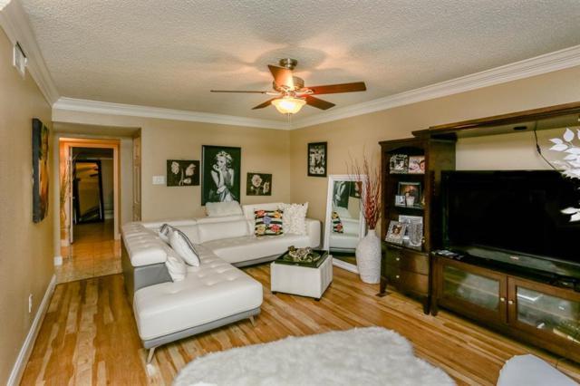 8211 Katy Freeway #27, Houston, TX 77024 (MLS #41040054) :: Giorgi Real Estate Group