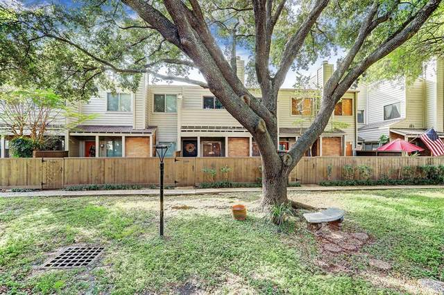 1649 Prairie Mark Lane, Houston, TX 77077 (MLS #41129814) :: The Freund Group