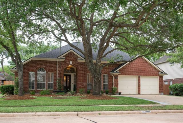 1811 La Salle Street, Friendswood, TX 77546 (MLS #41244053) :: Texas Home Shop Realty