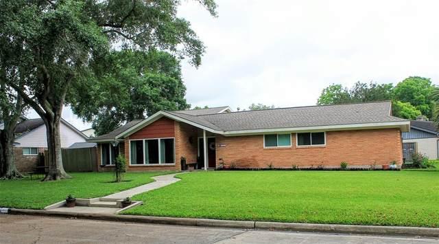 1403 Saxony Lane Lane, Nassau Bay, TX 77058 (MLS #41307952) :: Christy Buck Team