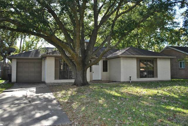408 Avondale Lane, Friendswood, TX 77546 (MLS #41490461) :: Homemax Properties