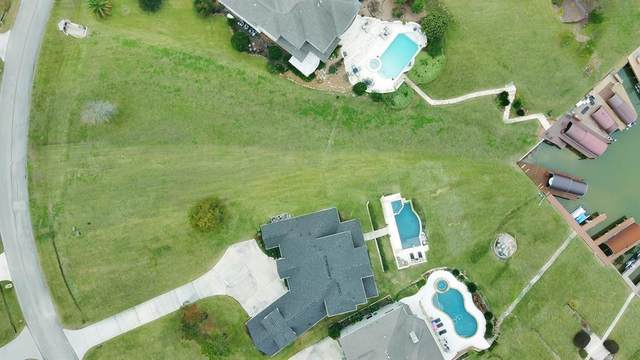 18810 E Cool Breeze Lane, Montgomery, TX 77356 (MLS #41524323) :: The Home Branch