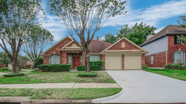 4926 Widerop Lane, Friendswood, TX 77546 (MLS #41721874) :: Ellison Real Estate Team