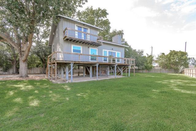 702 E Meyer Road, Seabrook, TX 77586 (MLS #41853415) :: Grayson-Patton Team