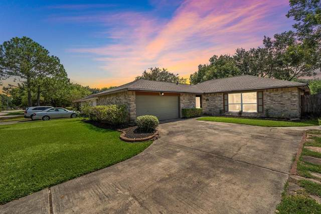 2797 Wood Hollow Drive, League City, TX 77573 (MLS #41965727) :: The SOLD by George Team