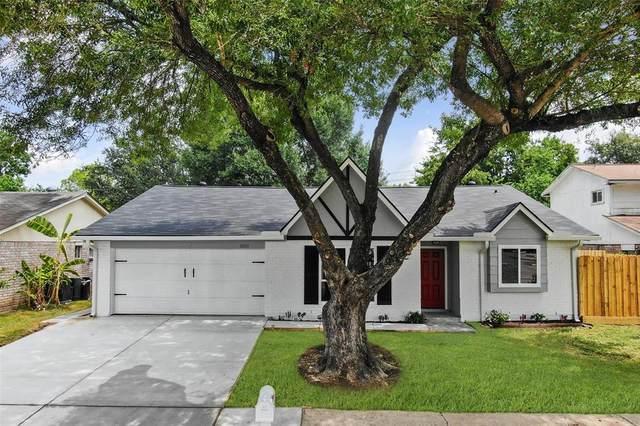 10003 Richtown Lane, Sugar Land, TX 77498 (MLS #41976404) :: The Wendy Sherman Team
