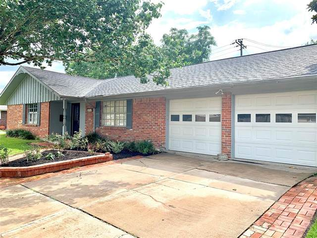 8910 Bob White Drive, Houston, TX 77074 (MLS #41980453) :: The SOLD by George Team