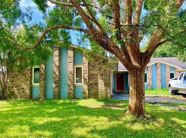 12018 Villa Lea Lane, Houston, TX 77071 (MLS #42028993) :: My BCS Home Real Estate Group