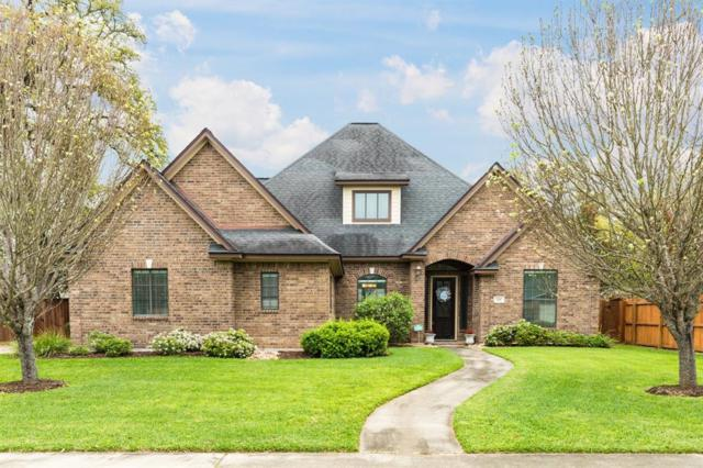 106 Northwood Drive, Lake Jackson, TX 77566 (MLS #42192883) :: The SOLD by George Team