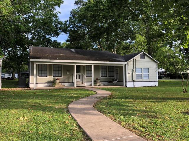 505 E 4th Street, Sweeny, TX 77480 (MLS #42239909) :: The SOLD by George Team