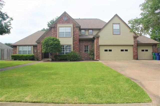 6 Colony Square, Angleton, TX 77515 (MLS #42273050) :: Texas Home Shop Realty
