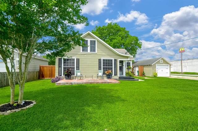 1111 N Washington Street, El Campo, TX 77437 (MLS #42464914) :: Ellison Real Estate Team