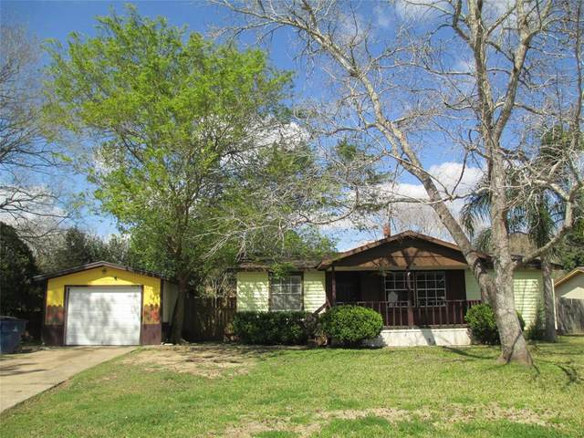 1620 Casa Court, Alvin, TX 77511 (MLS #42496999) :: The SOLD by George Team