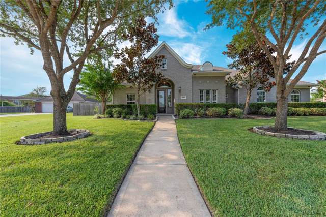 11803 Crescent Bluff Drive, Pearland, TX 77584 (MLS #42529970) :: Christy Buck Team