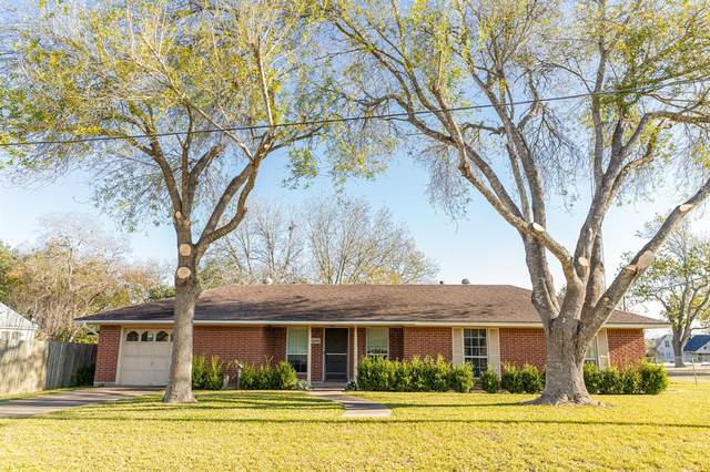 600 N Colorado Street, Burton, TX 77835 (MLS #42547556) :: Ellison Real Estate Team