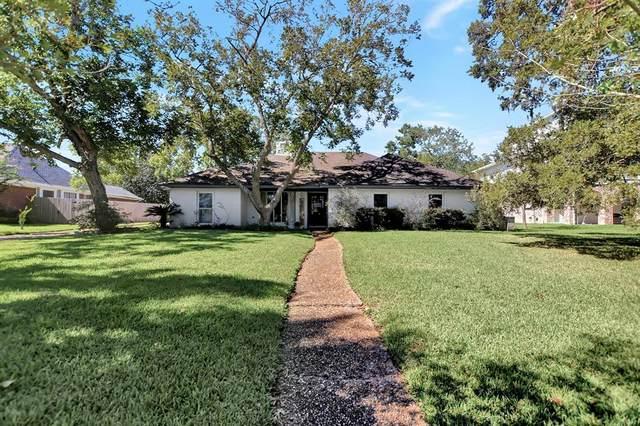 14 Haverford Lane, Friendswood, TX 77546 (MLS #42759297) :: Rachel Lee Realtor
