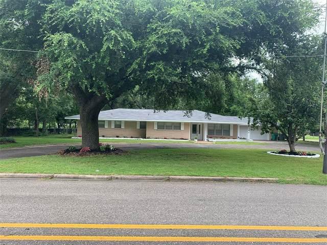 401 N Woodrow Street, Madisonville, TX 77864 (#42764229) :: ORO Realty