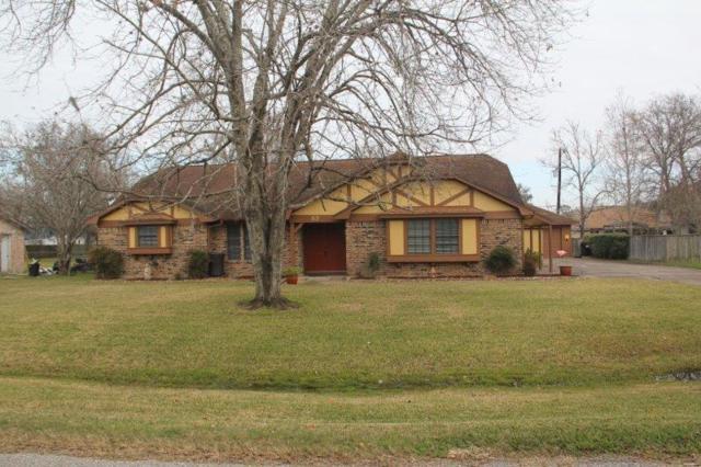 57 E Sagebrush Street, Lake Jackson, TX 77566 (MLS #42773324) :: Texas Home Shop Realty