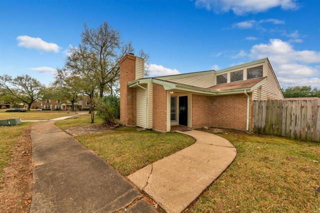 4802 Oak Hollow Street, Baytown, TX 77521 (MLS #42891908) :: Texas Home Shop Realty