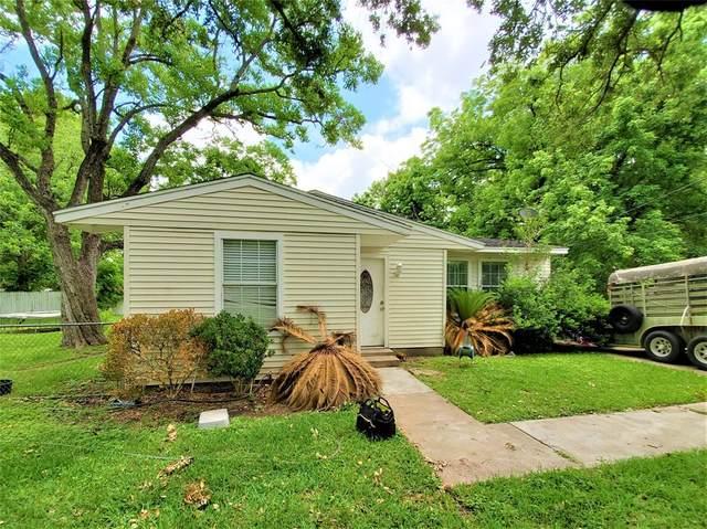 216 N 5th Street, Alvin, TX 77511 (MLS #42902472) :: My BCS Home Real Estate Group