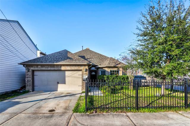 1502 Robin Street, Houston, TX 77019 (MLS #43057549) :: Magnolia Realty