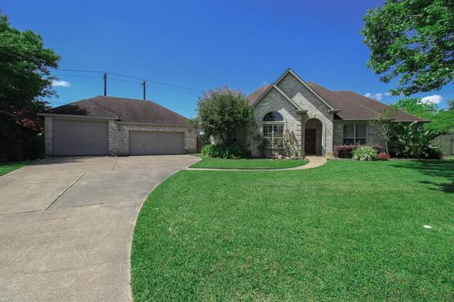 209 Shirleen Drive, Pasadena, TX 77586 (MLS #43124325) :: The SOLD by George Team