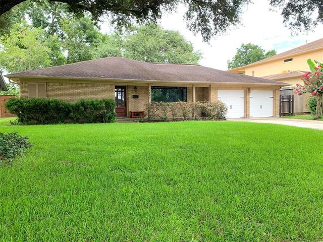 4825 Briarbend Drive, Houston, TX 77035 (MLS #43125277) :: The SOLD by George Team