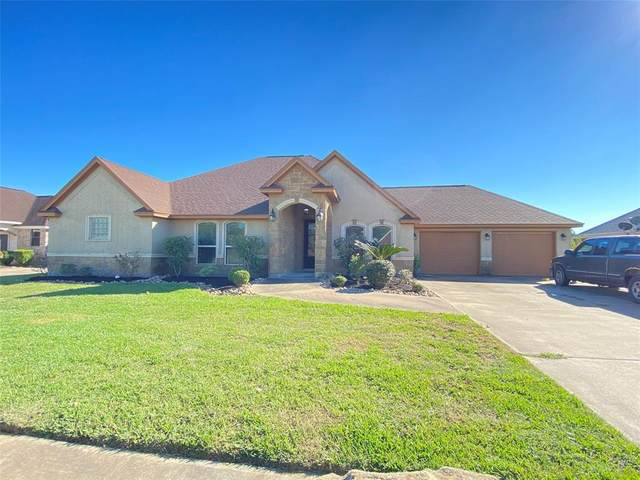 23 Texian Trail N, Angleton, TX 77515 (MLS #4321462) :: The Home Branch
