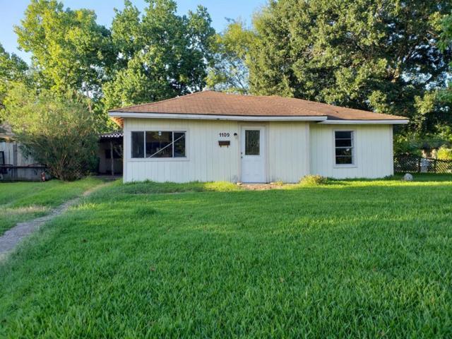 1109 Thomas Avenue, Pasadena, TX 77506 (MLS #43239150) :: The SOLD by George Team