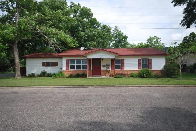 101 Sabine Street, Hallettsville, TX 77964 (MLS #43260903) :: The SOLD by George Team