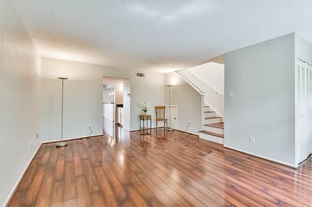 5917 Fairdale Lane #14, Houston, TX 77057 (MLS #43265245) :: Giorgi Real Estate Group