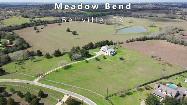 693 Meadow Bend Road, Bellville, TX 77418 (MLS #43406685) :: Connect Realty