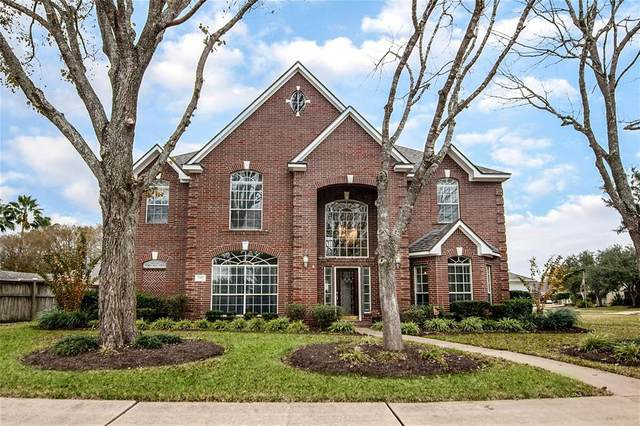 1302 Eagle Lakes Drive, Friendswood, TX 77546 (MLS #43425911) :: Connell Team with Better Homes and Gardens, Gary Greene