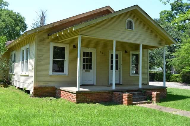 705 Polk Avenue, Crockett, TX 75835 (MLS #4349622) :: The Sansone Group