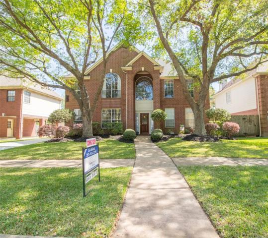 2105 Spinnaker Drive, League City, TX 77573 (MLS #43570807) :: Texas Home Shop Realty
