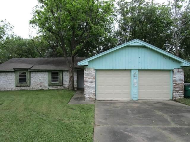 615 N Fairview Circle, Alvin, TX 77511 (MLS #43637116) :: Phyllis Foster Real Estate