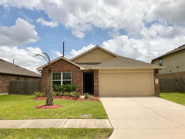 16 Santa Clara Drive, Manvel, TX 77578 (MLS #43694733) :: The Parodi Team at Realty Associates