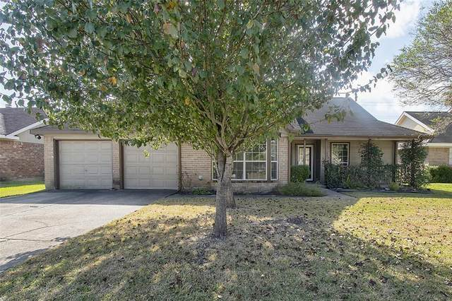 1902 Willowbend Drive, Deer Park, TX 77536 (MLS #43839038) :: Michele Harmon Team