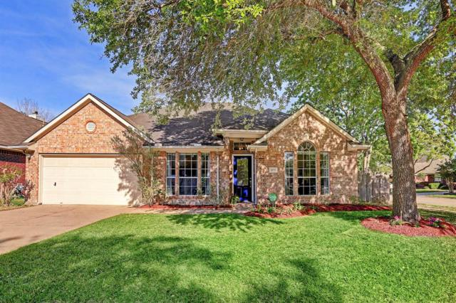 1039 S Wellsford Drive, Pearland, TX 77584 (MLS #43867704) :: NewHomePrograms.com LLC