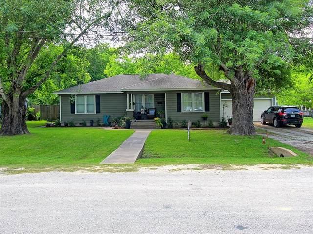 409 N College Street, Weimar, TX 78962 (MLS #43934643) :: Christy Buck Team