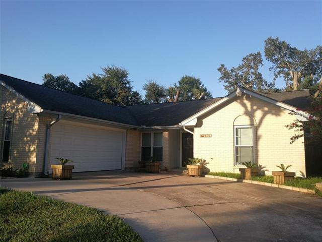 15607 Wandering Trail, Friendswood, TX 77546 (MLS #44004930) :: Texas Home Shop Realty